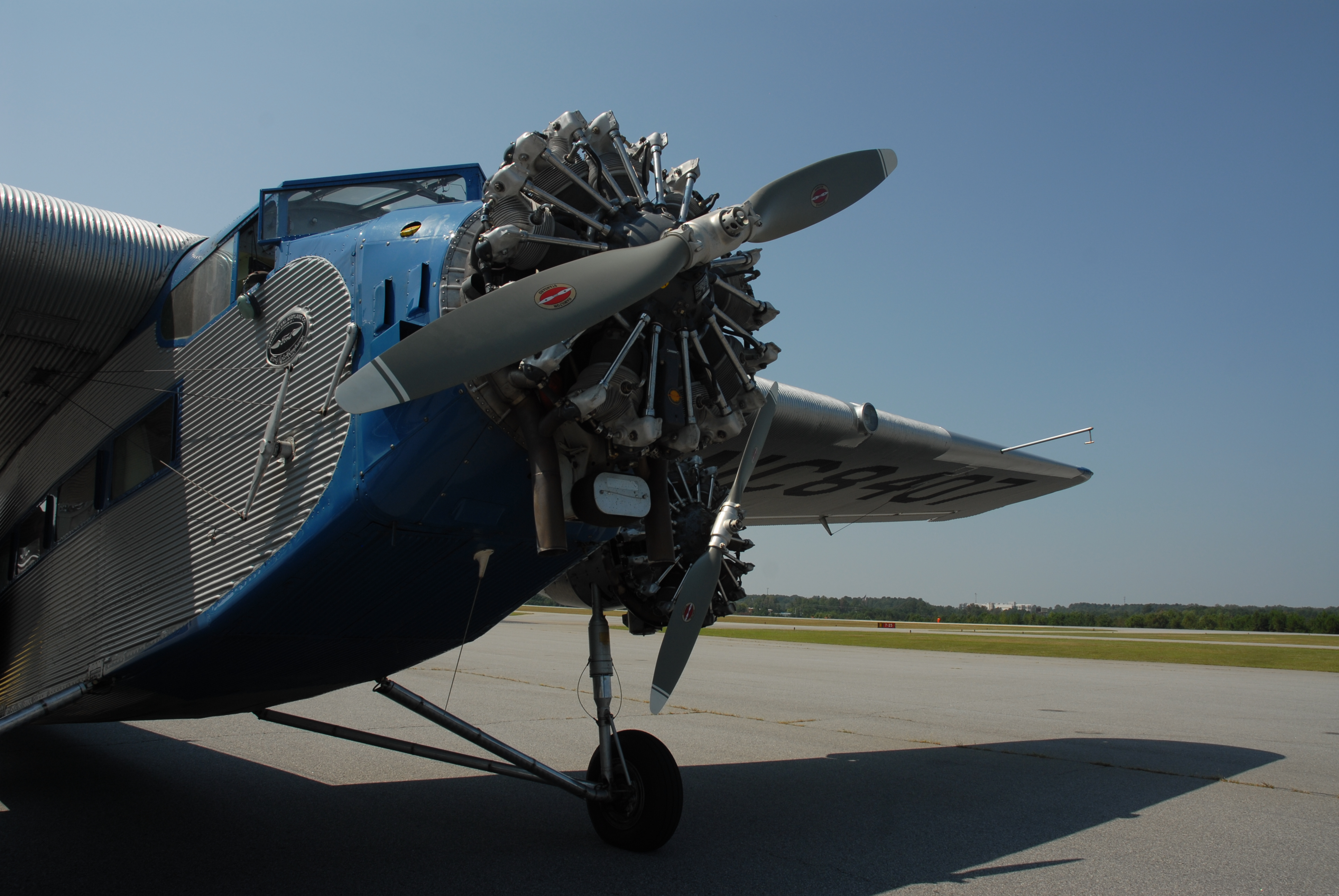 eaa ford tri motor rides
